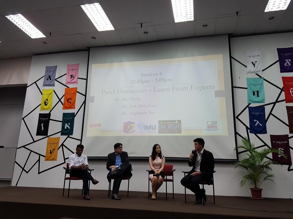 IMU Alumnus at a discussion