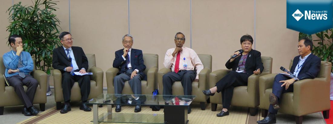 Forum at a seminar at IMU