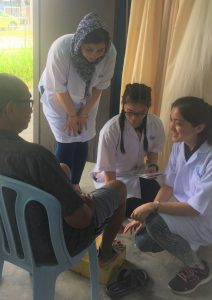 Hands on learning experience for IMU Chinese Medicine students