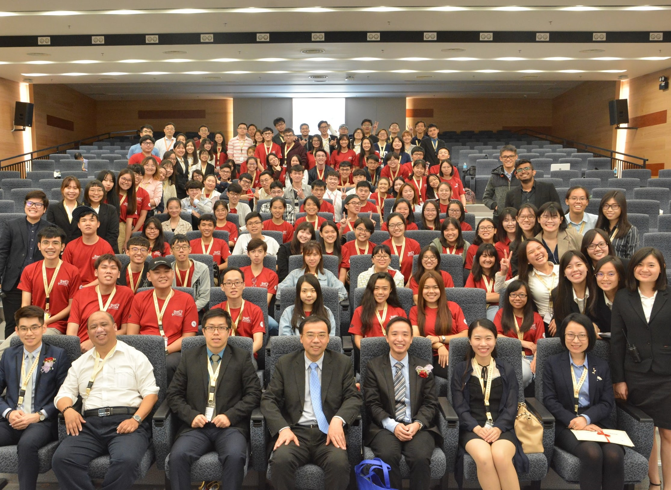 IMU students participated in a camp and tournament for Chinese Medicine students to share their experiences and network with one another.