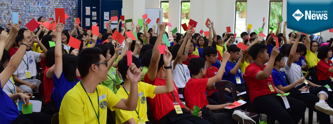 A science camp at Foon Yew Independent High School, Kulai, Johor with hands-on activities and sharing sessions.