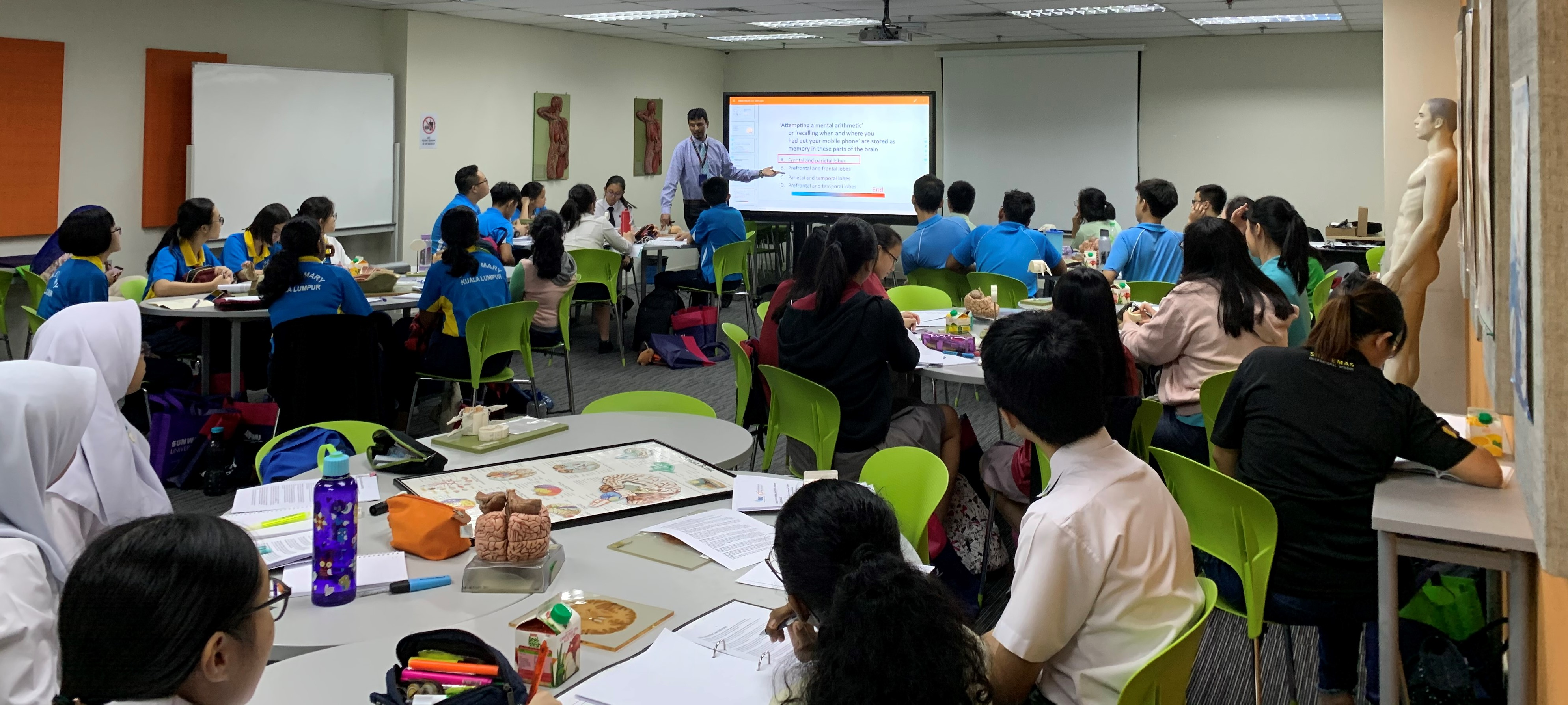 A workshop for the Malaysian Brain Bee Challenge participants under IMU Zone.