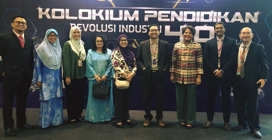 IMU featured 2 of its projects and participated as an exhibitor at Kolokium Pendidikan Revolusi Industri 4.0.