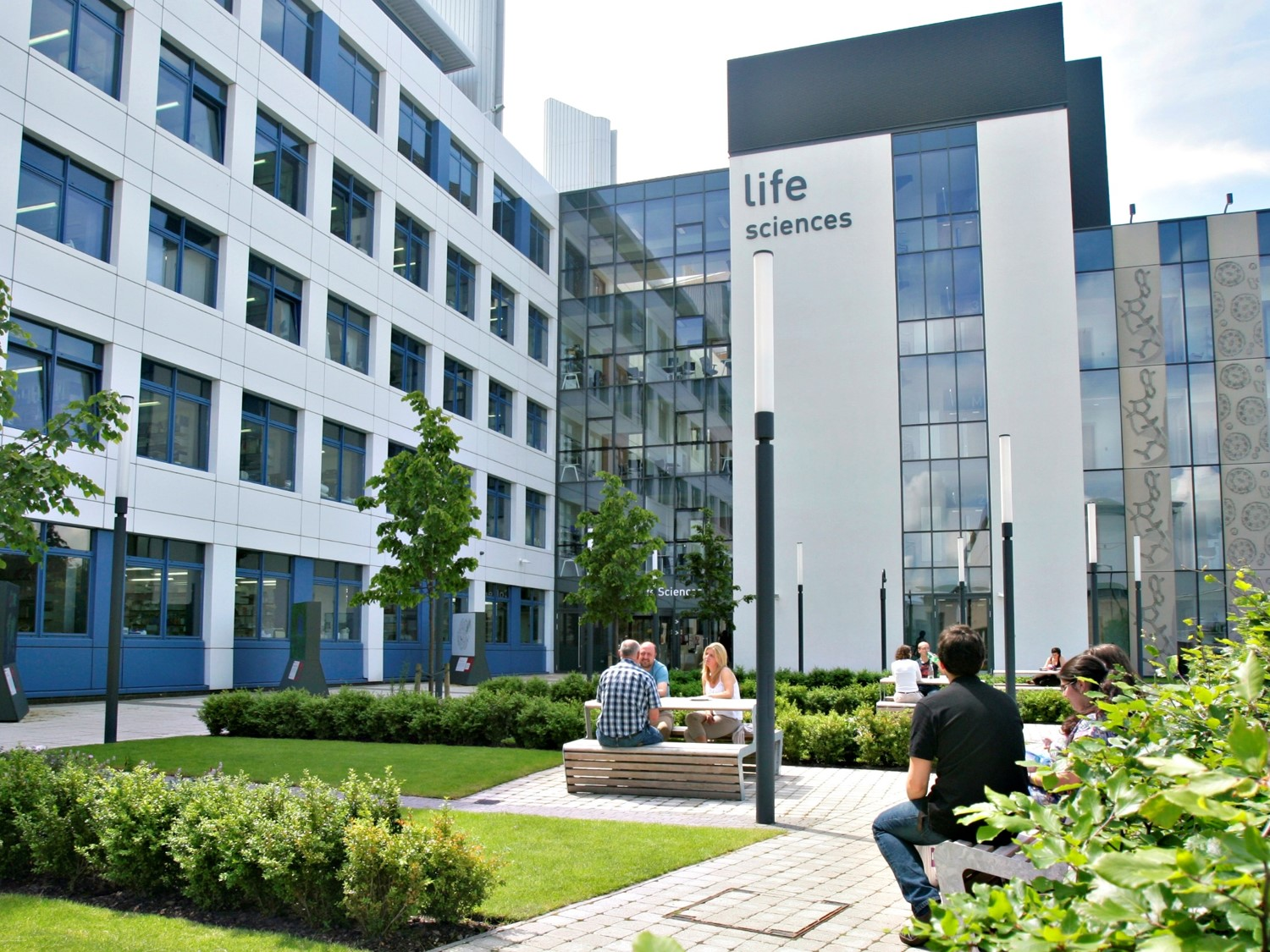 University of Dundee - A credit transfer opportunity for IMU Pharmaceutical Chemistry students.